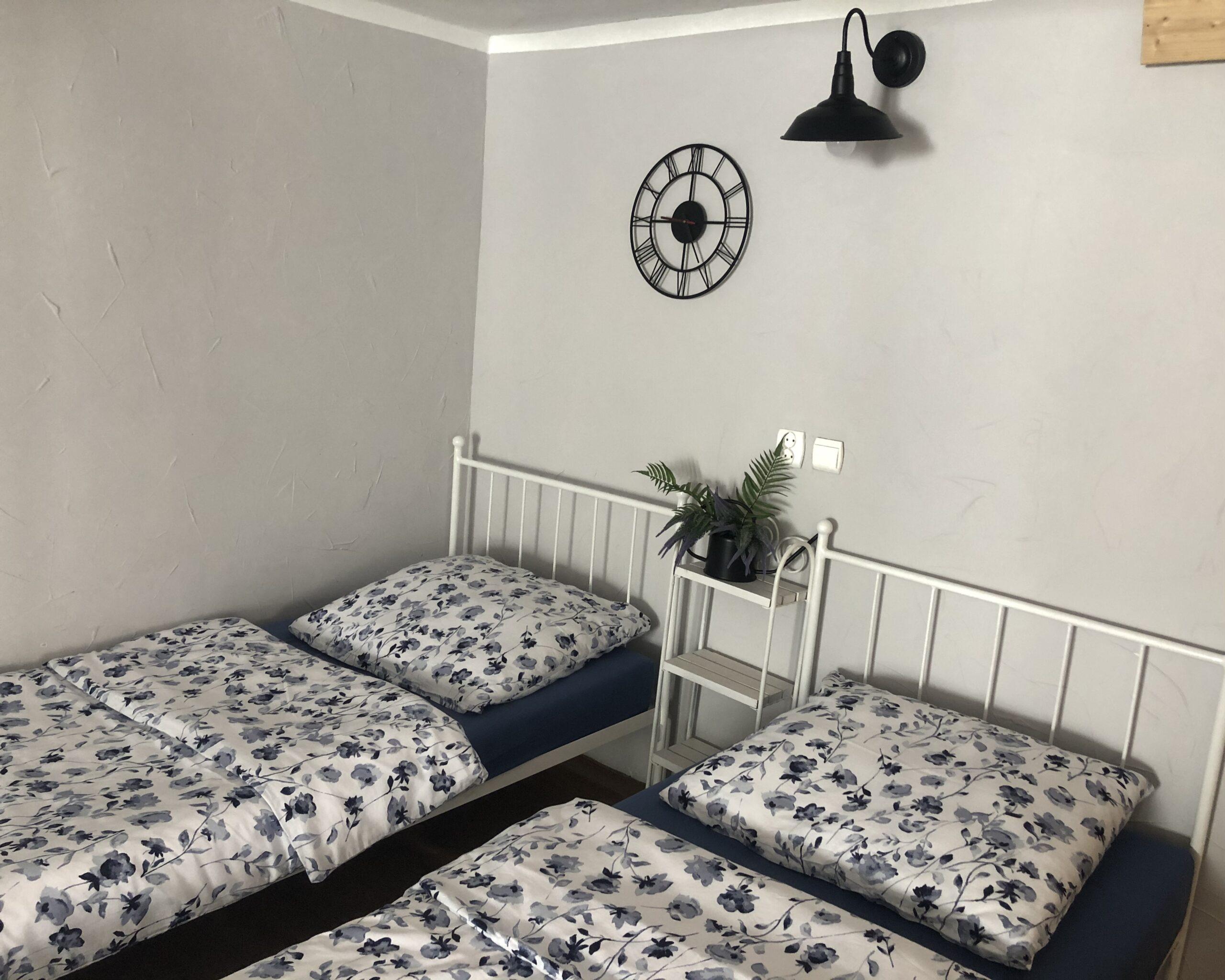 Łóżka w Agroturystyce Bobrownia